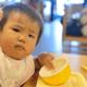 1歳1ヶ月、食べ物をぐちゃぐちゃにしてしまう…|専門家の見解
