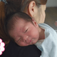 新生児のゲップを上手に出す方法は?出ない時の対処法とコツ【お悩み相談】