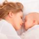 産後の体調不良に悩んでいます。病院に行くべき?|専門家の見解
