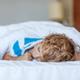 あまり寝てくれない2歳児…どのように睡眠させる?|専門家の見解