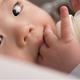 【朗報】5分が10秒に!授乳革命。液体ミルクが発売へ!パパのミルクも当たり前に?