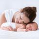生後1ヶ月、母乳だけで水分は足りているのでしょうか|専門家の見解
