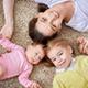 産後の立ち仕事、腹帯を巻いても子宮下垂は予防できない?|専門家の見解