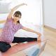 【助産師執筆】妊婦におすすめの室内運動|運動のメリットや注意点を時期別にご紹介