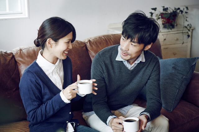 コーヒーを飲む夫婦,コーヒー,工場見学,