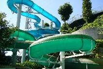 高槻市立芥川緑地プール(ぷーるぴあ)のスライダー,子ども,ウォータースライダー,大阪