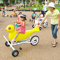 変わり種自転車で遊ぶ様子,富士山こどもの国,キャンプ,