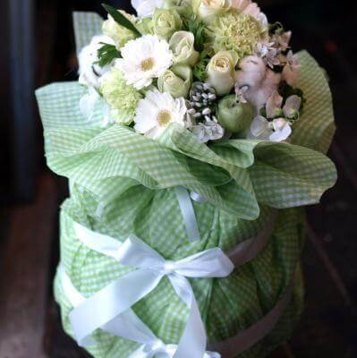 豪華な3段おむつケーキ「デラックス・ライムグリーン」,出産祝い,花,