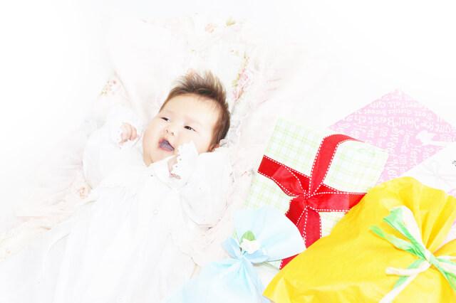 赤ちゃんと出産祝い,出産祝い,銀のスプーン,