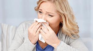 映画を見て号泣する女性,アレルギー,母乳,