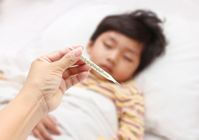 発熱する子ども,RSウイルス,感染症,