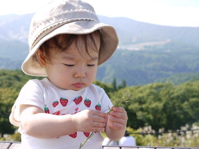 帽子をかぶった赤ちゃん,赤ちゃん,アウトドア,