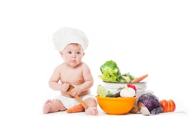 上半身はだかの赤ちゃん,赤ちゃん,野菜,