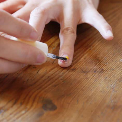 ラメを塗る手,簡単,ネイル,