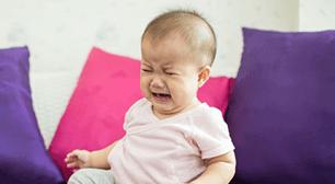 赤ちゃんが泣いている,1歳,10ヶ月,