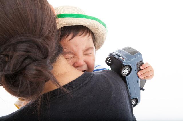 泣く園児,保育園,幼稚園,トラブル