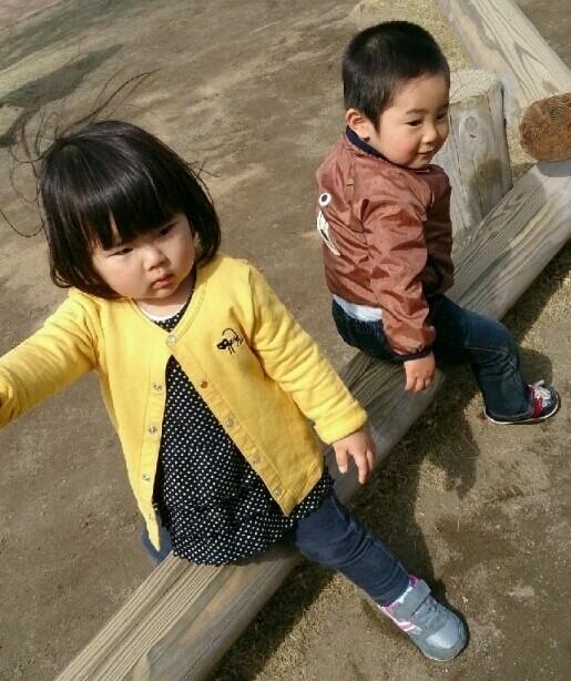 外遊びをする1歳児,ベビー,アウター,