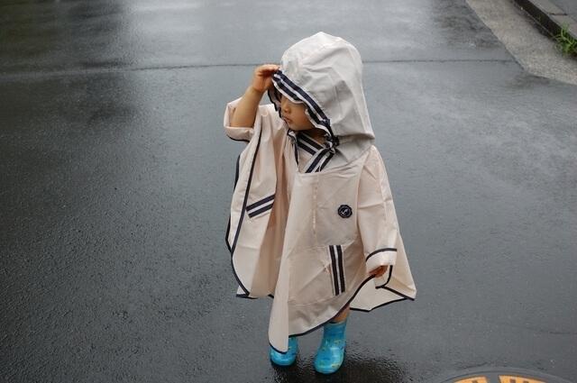 雨の日の着用イメージ,子供用,ポンチョ,