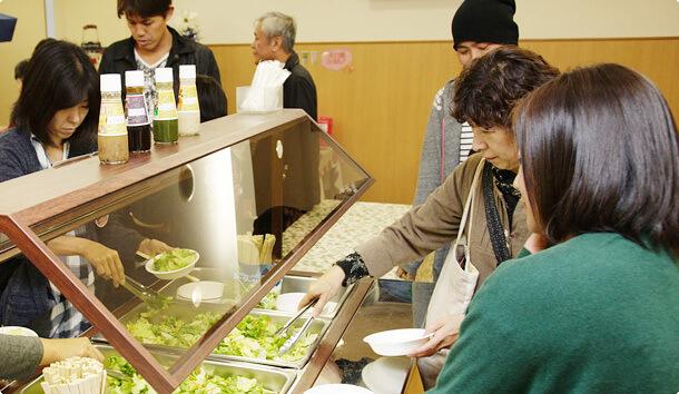 サラダ試食,キユーピー,工場見学,