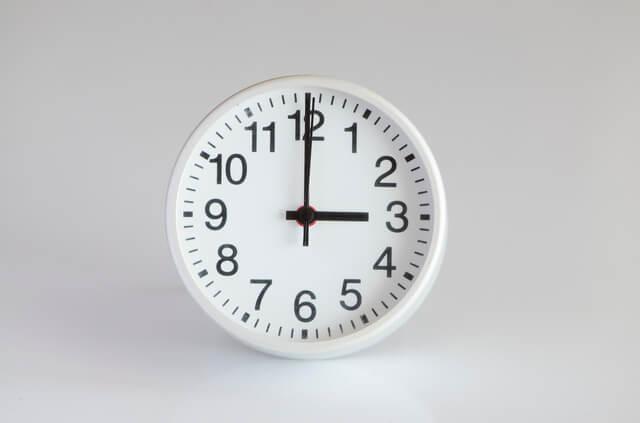 3時をさす時計,子ども,おやつ,