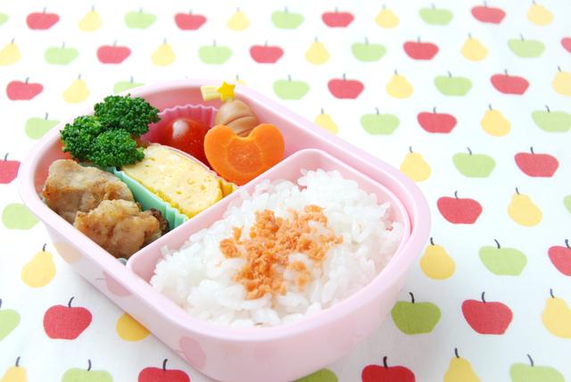 子どものお弁当 盛り付け例,お弁当,冷凍食品,