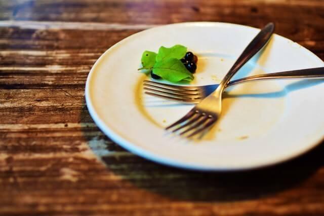 食べ終わったお皿,食事マナー,