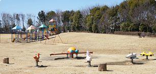 深谷グリーンパーク アクアパラダイスパティオの園内ひろば,温水プール,埼玉,