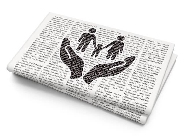 新聞,子ども,室内遊び,新聞紙遊び