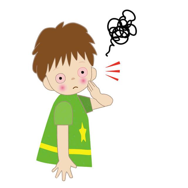 白目が充血した男の子,子供,結膜炎,