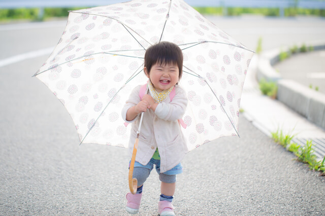 傘,おでかけ,子ども,室内施設