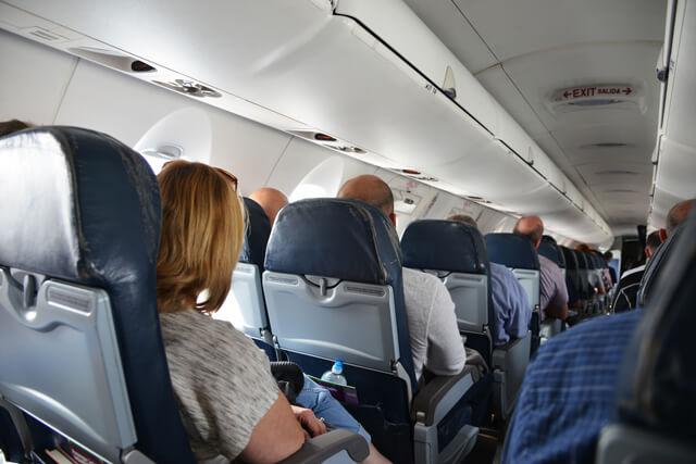 飛行機機内,機内,子供,過ごし方