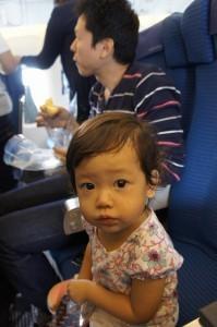 座席に座る子ども,飛行機,幼児,海外旅行