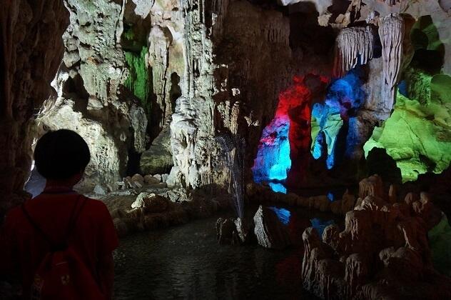 ハロン湾の鍾乳洞,子供,海外,旅行