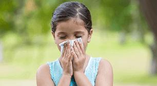 口元に布を当てる子,花粉症,副作用,花粉症