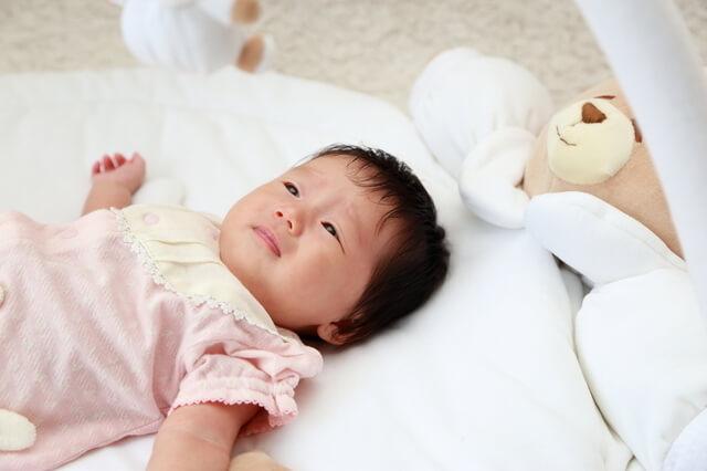 プレイジムのマットで寝る赤ちゃん,プレイジム,
