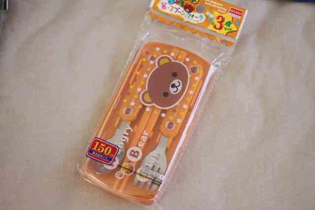 ダイソーの箸・スプーン・フォーク3点セット。ケース付き、耐熱温度は60℃。,ダイソー,子供,