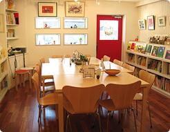 ソングブックカフェ(SONG BOOK Cafe)の店内,絵本,カフェ,