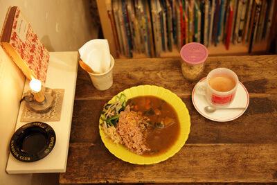 玄米カレー,絵本,カフェ,