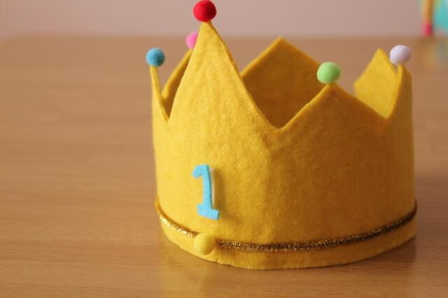 1歳バースデーの王冠,1歳,誕生日,プレゼント