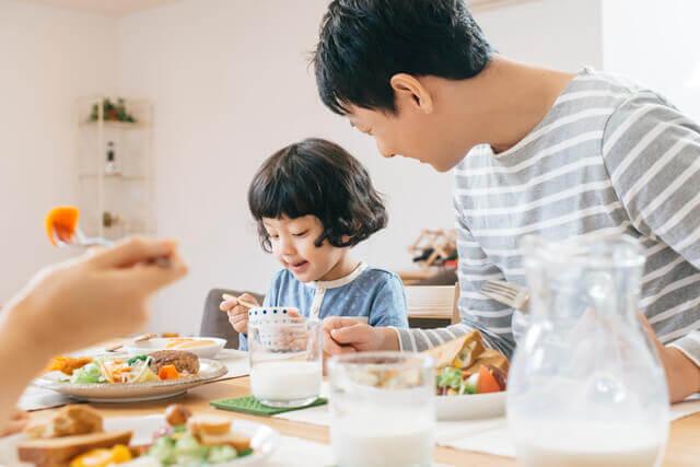 親子で食事,子供,水疱瘡,