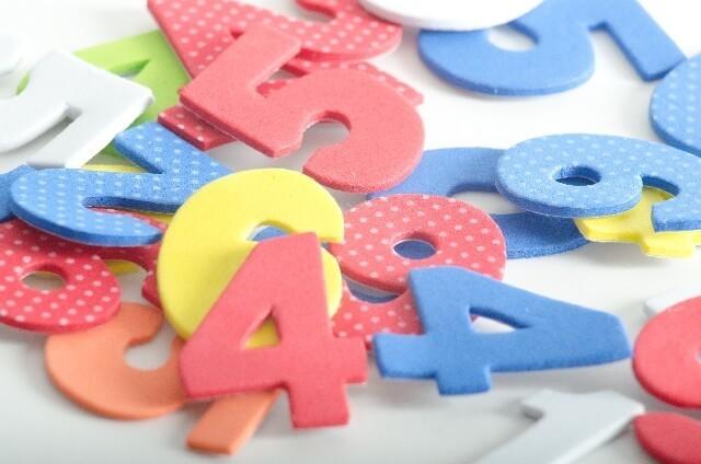 カラフルな数字のパネル,数字,おもちゃ,幼児