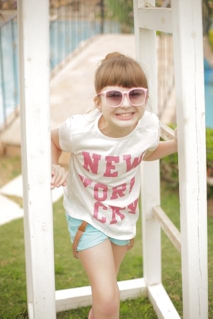 Tシャツを着た子どもイメージ画像,キッズ,Tシャツ,