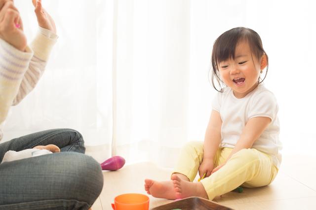 遊んでいる赤ちゃん,知育玩具,1歳,