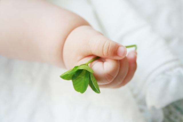 赤ちゃんの手,出産祝い,名前入り,