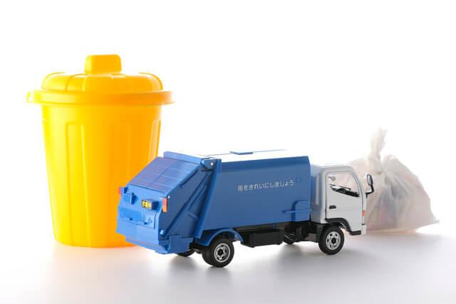 ゴミと清掃車イメージ,