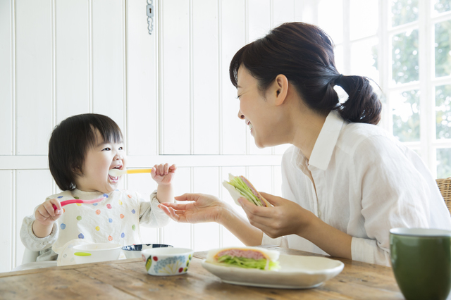 親子食事,離乳食,椅子,
