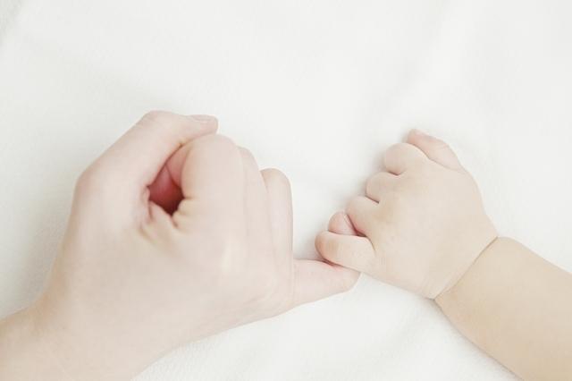 赤ちゃんとママの手,妊娠,メルマガ,赤ちゃん