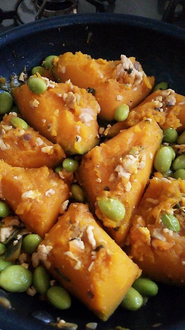 かぼちゃと枝豆と鶏挽き肉の煮物,離乳食,枝豆,