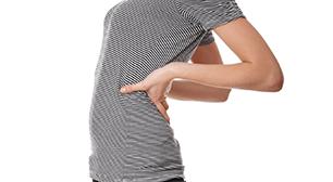 背中の痛みが気になる女性,膀胱炎,脚,むくみ