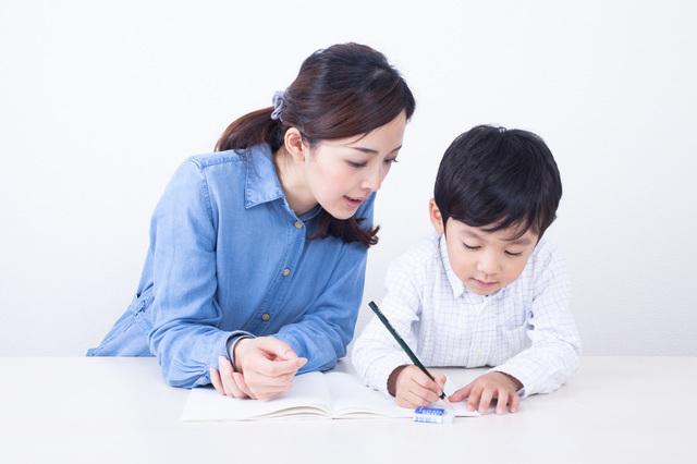 勉強中の男の子と見守る母,漢字,ポスター,